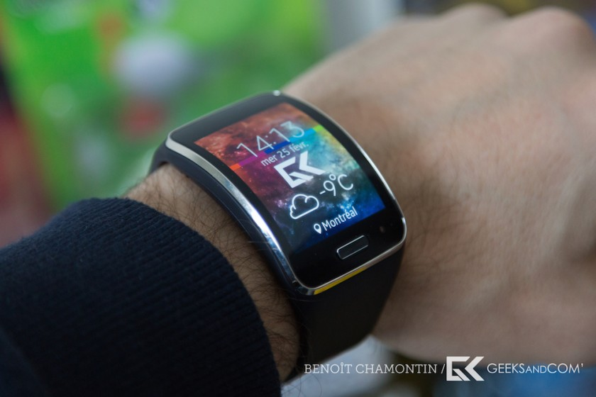 test de la samsung gear s une montre connect e autonome 3g sous tizen geeks and com 39. Black Bedroom Furniture Sets. Home Design Ideas