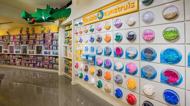Lego a inaugur son premier magasin dans la ville de paris au forum des halles - Les halles paris ouverture ...