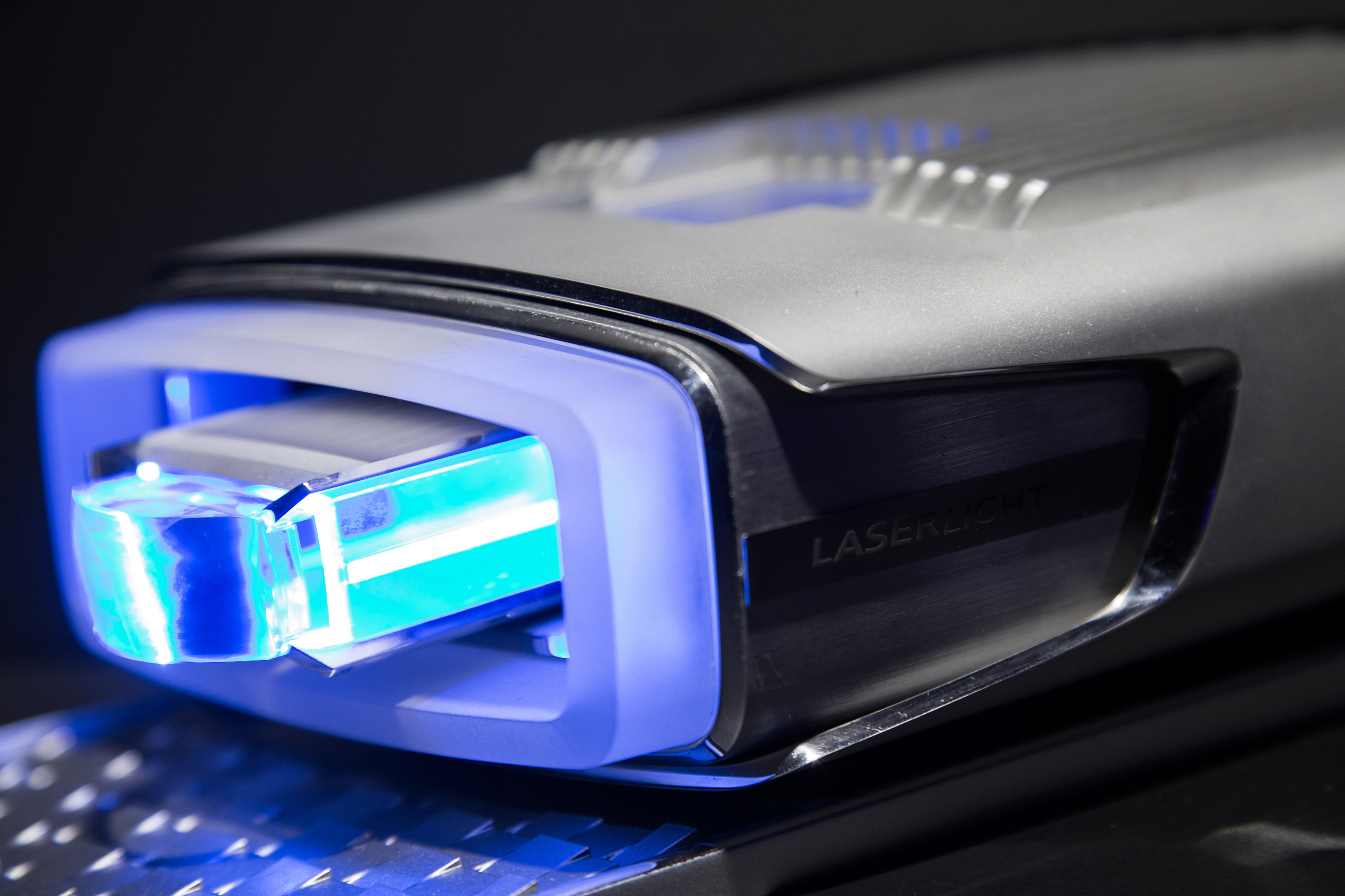 Ces 2014 Audi Et Bmw Se Battent Au Phare Laser Geeks