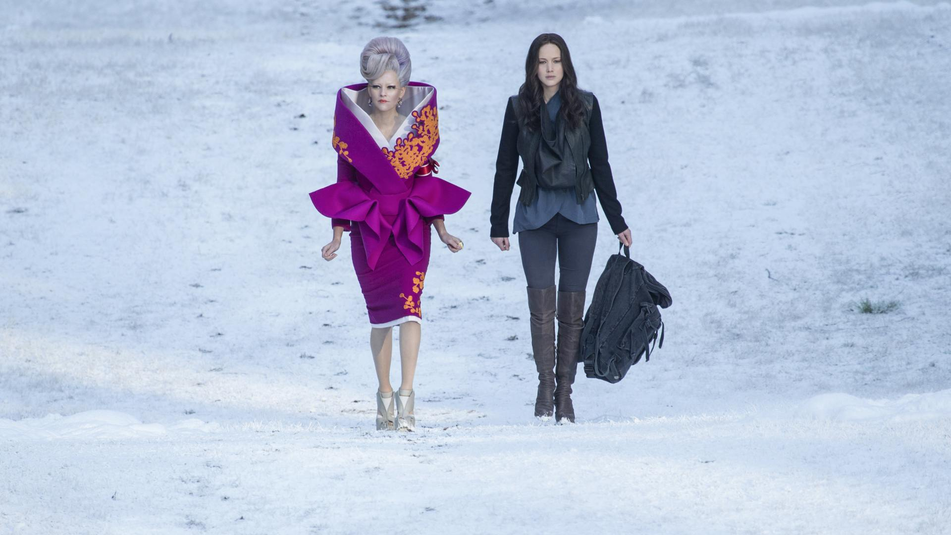 Hunger Games MockingJay Part 2 - Effie and Katniss
