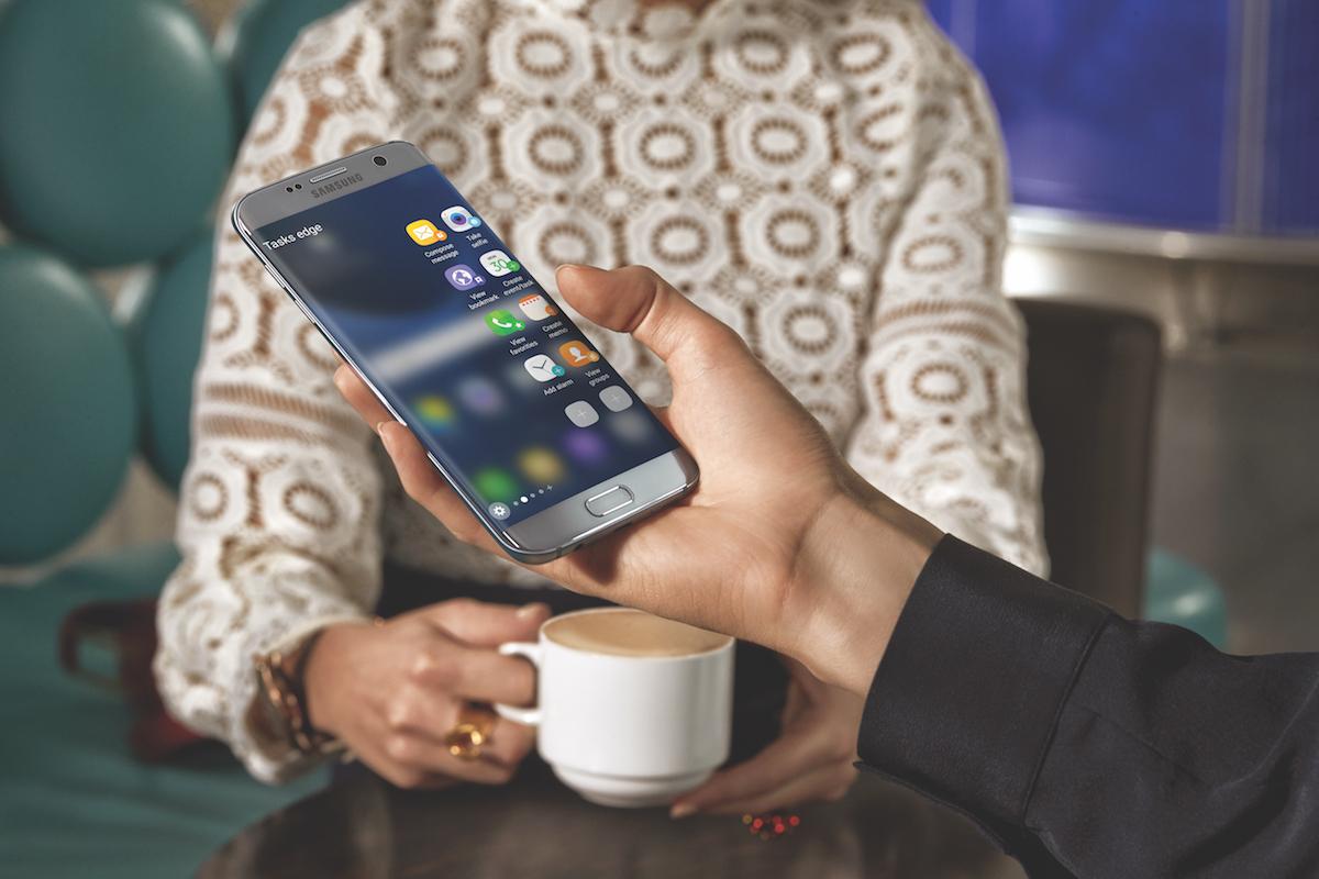 Samsung Galaxy S7 edge - Fonctionnalite bordure incurvee