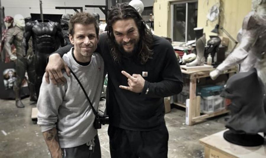 Zack-Snyder-Jason-Momoa-Justice-League